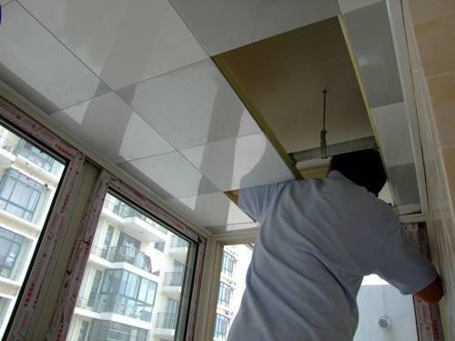 厨房为什么要做铝扣板吊顶-厨房铝扣板吊顶厂家告诉你为什么
