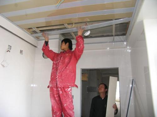 铝扣板有限公司在哪里-哪里有批发铝扣板吊顶的