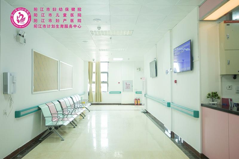 医院吊顶效果图