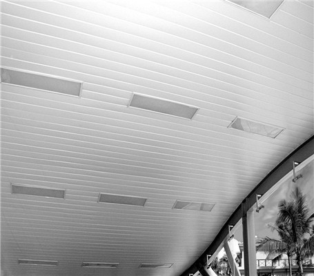高铁销售厅用铝扣板吊顶好吗?