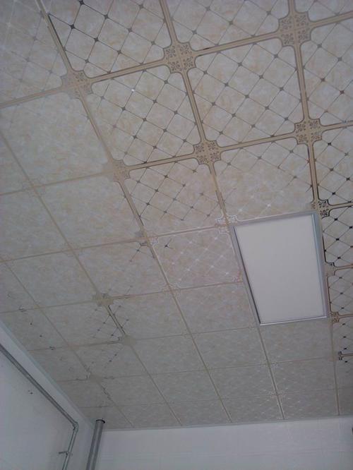 集成吊顶厨房卫-来厨房铝扣板吊顶厂家这看看吧