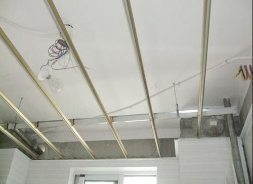 集成吊顶的铝扣板怎么样取下来-佛山铝天花厂家之铝扣板集成吊顶最低吊多少