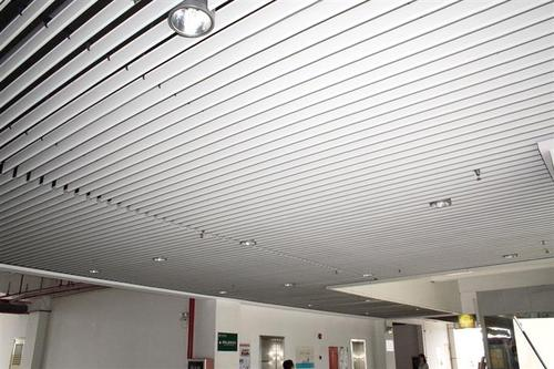 大厅半吊铝扣板效果图-大厅铝扣板吊顶效果图这样装