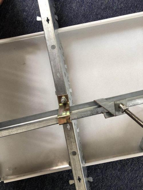 高级铝扣板-佛山铝扣板厂家教你铝扣板价格差异在哪里