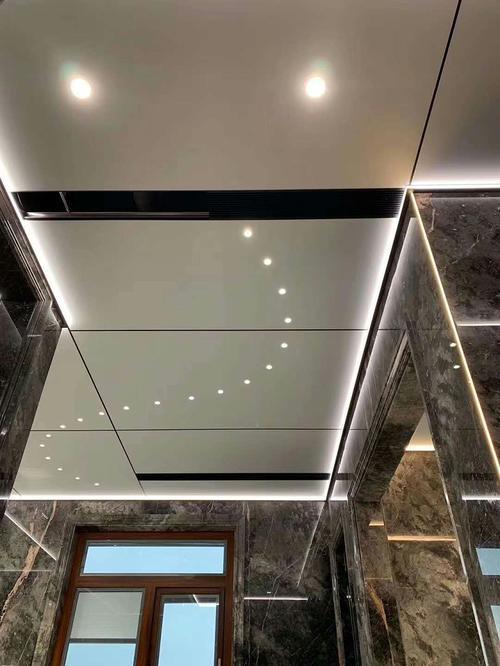 吊顶铝扣板有哪些种类-跟铝扣板生产厂家看一下铝挂片天花种类有哪些