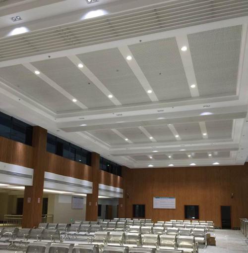 广州铝扣板吊顶-家用铝扣板集成吊顶有啥好处呢