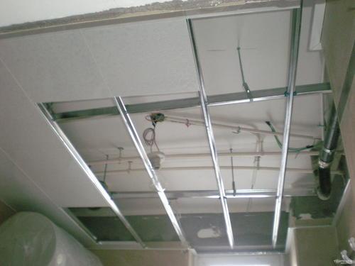 铝扣板卫生间吊顶图-卫生间吊顶效果图