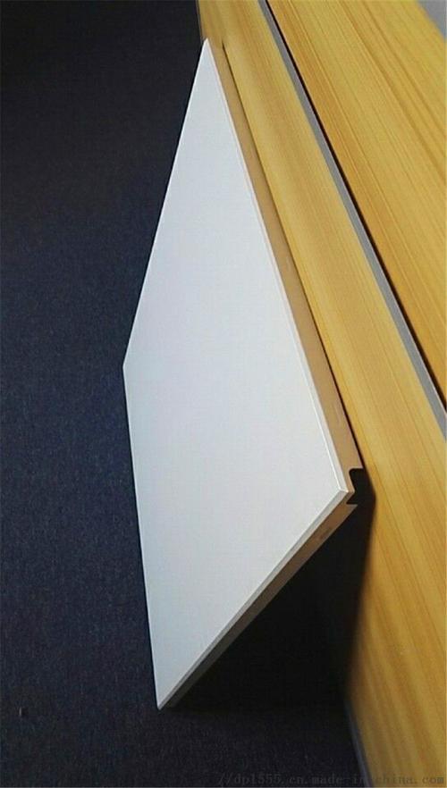 新式铝扣板-快来看看新式材料效果怎么样