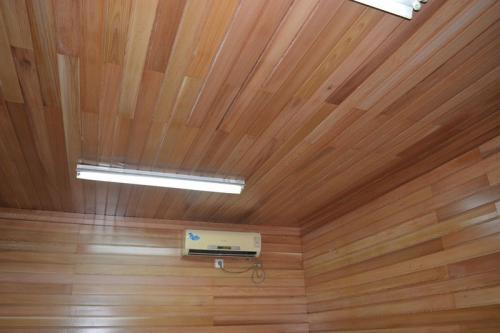 房屋吊顶集成吊顶效果图-佛山铝天花厂家讲卧室铝扣板吊顶效果图好看吗