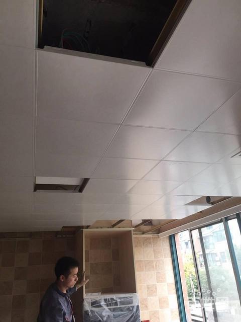 便宜吊顶铝扣板-传统吊顶与集成吊顶的比较