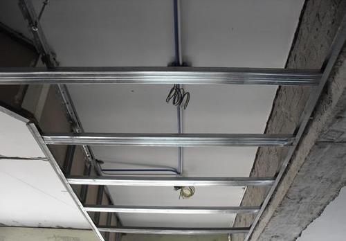 铝扣板的价格一般是多少钱一平方米-佛山南海区铝扣板厂家解析铝扣板吊顶一平米多少钱