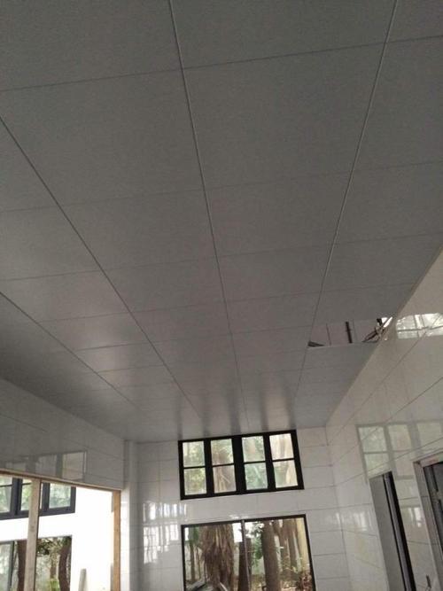 大方铝扣板厂家-佛山铝天花厂家表示铝方通吊顶的安装做好这几点准没错