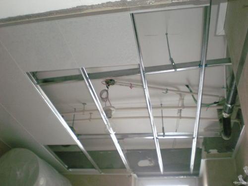铝扣板吊顶面层-铝塑板和铝扣板吊顶
