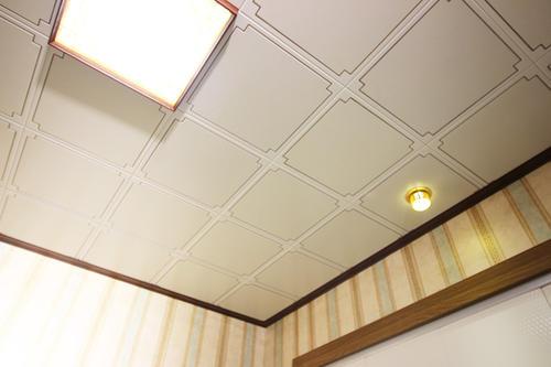 厨房中式集成吊顶-看厨房铝扣板吊顶厂家来介绍