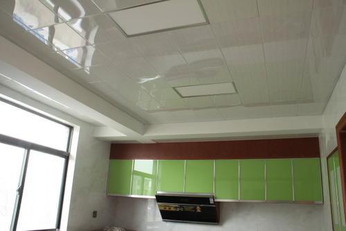 阳台能装集成吊顶-阳台吊顶用桑拿板还是铝扣板好呢