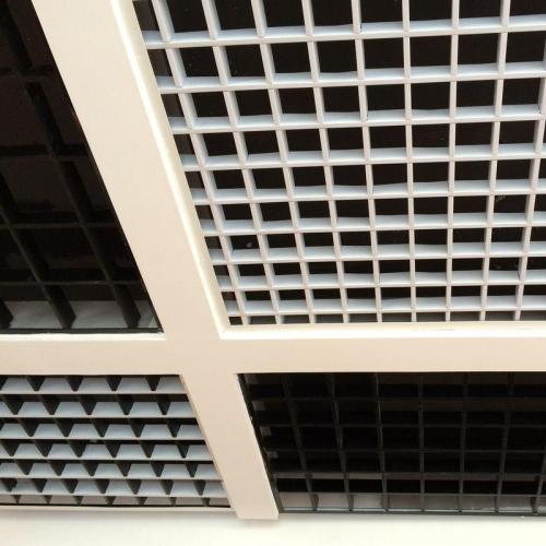 黑色边集成吊顶-入户式玄关安装集成吊顶的方法