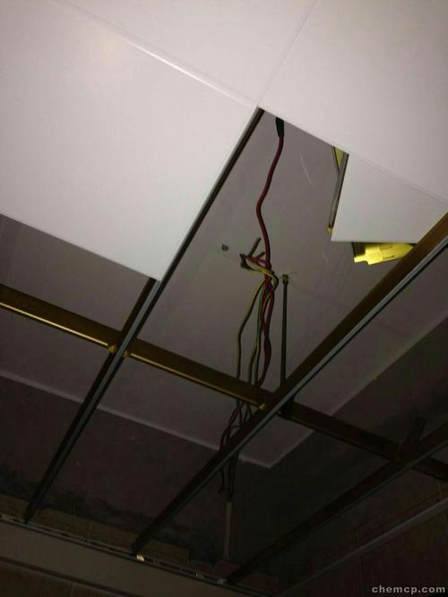 嘉兴铝扣板吊顶厂家电话-客厅铝扣板吊顶好看吗