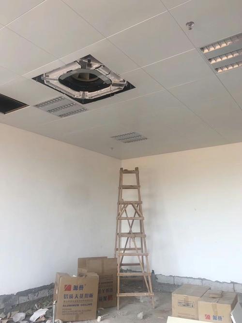 集成吊顶厂家贴吧-跟着客厅铝扣板吊顶厂家一起看看吧