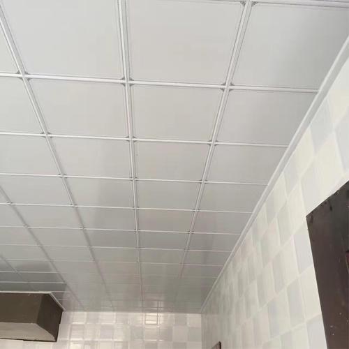 厨房卫生间吊顶铝扣板怎么样-厨房铝扣板吊顶怎么清洗