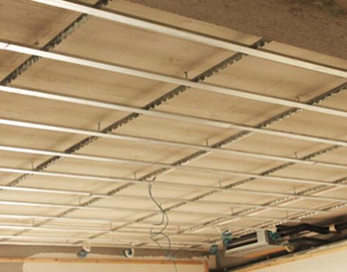 顶面吊顶铝扣板-跟着厨房铝扣板吊顶厂家看看厨房平面型吊顶怎么样