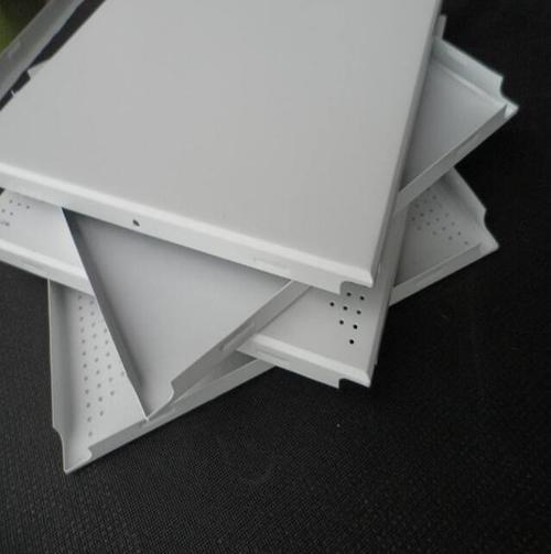 机房吊顶为什么要用防静电的铝扣板?机房铝扣板厂家告诉你