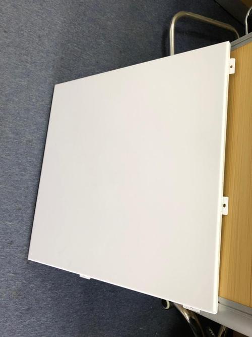 吊顶的铝扣板一平方米价格是多少-铝扣板的规格和价格多少钱一平方米-普通铝扣板一平方米价格多少钱一平方米